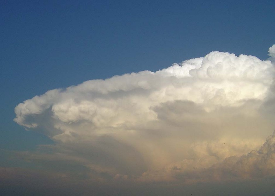 intense storms thunderhead anvil